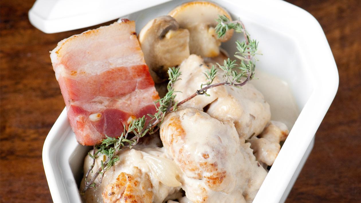 Blanquette van kalfszwezerik met champignons en vetspek door Bruno Oger**