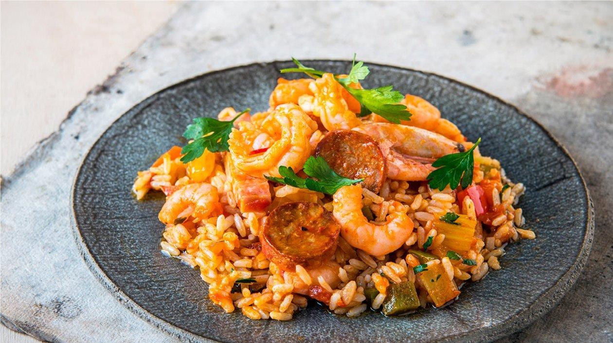 Creoolse Jambalaya met worst, ham en garnalen