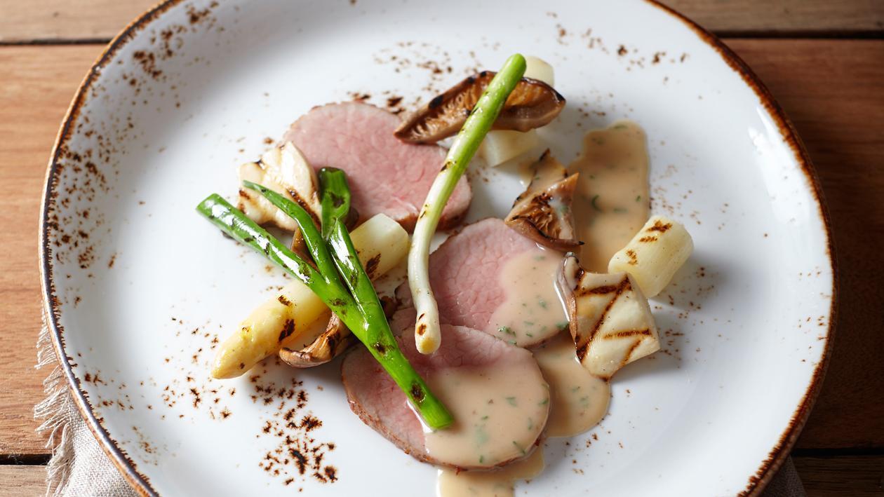Kalfsmuis met gegrilde groenten en champignonsaus met salie