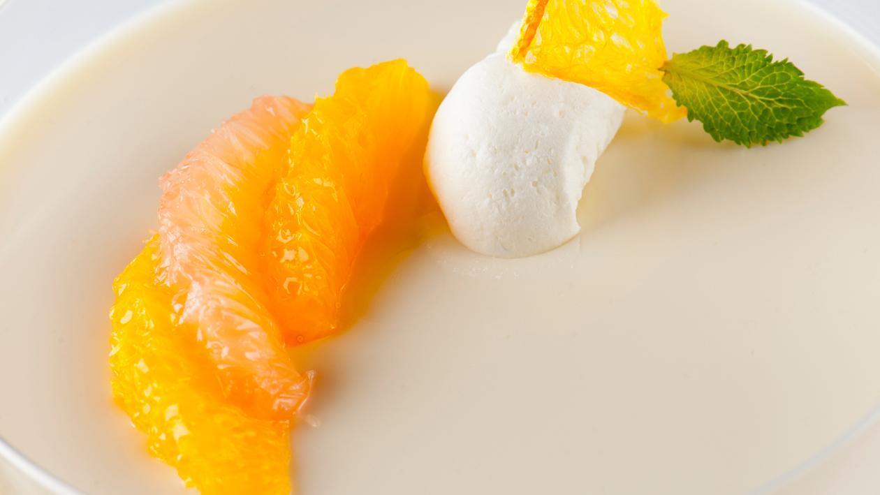 Panna cotta met mandarijn en sinaasappelen