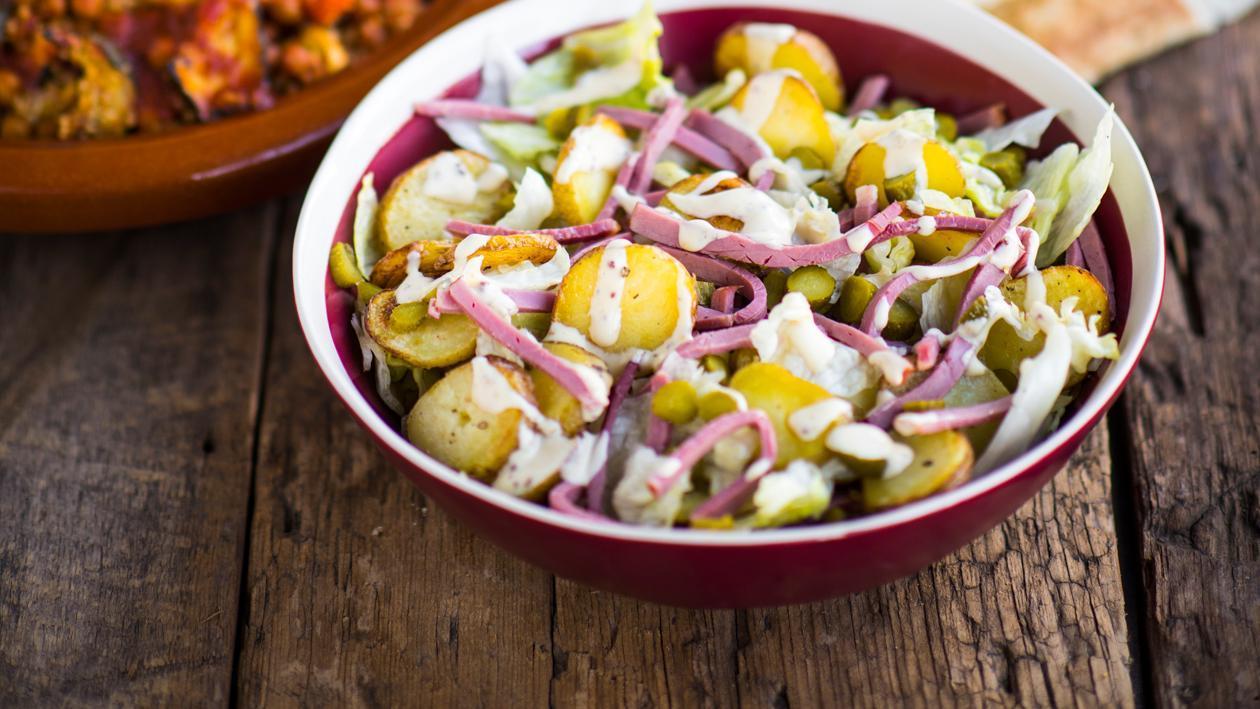 Salade van krielaardappel met pastrami