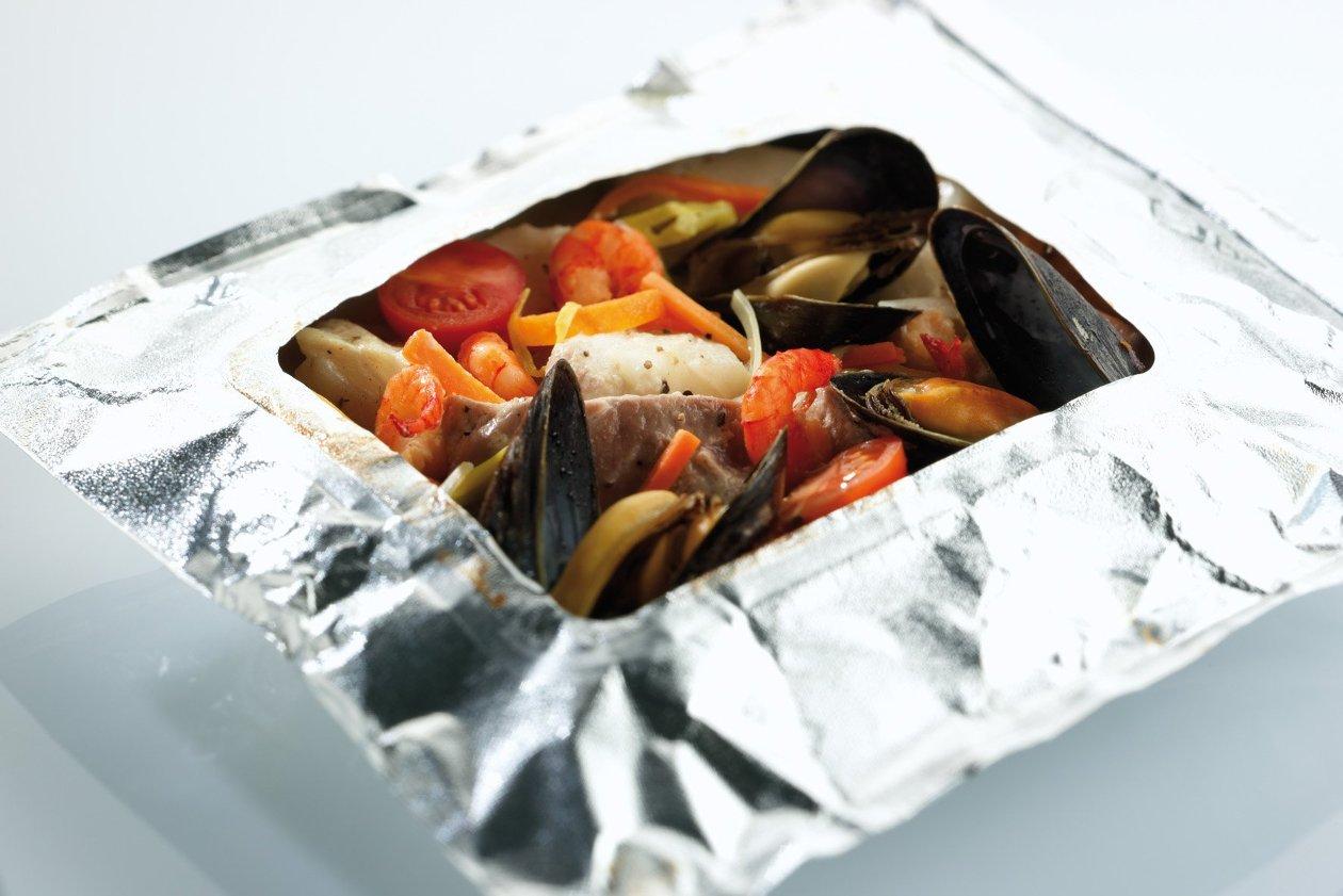 Warme salade van vis in papillot – Recept