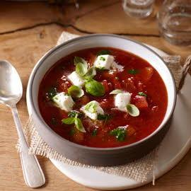 Tomatensoep uit de Toscane met mozzarella en basilicum