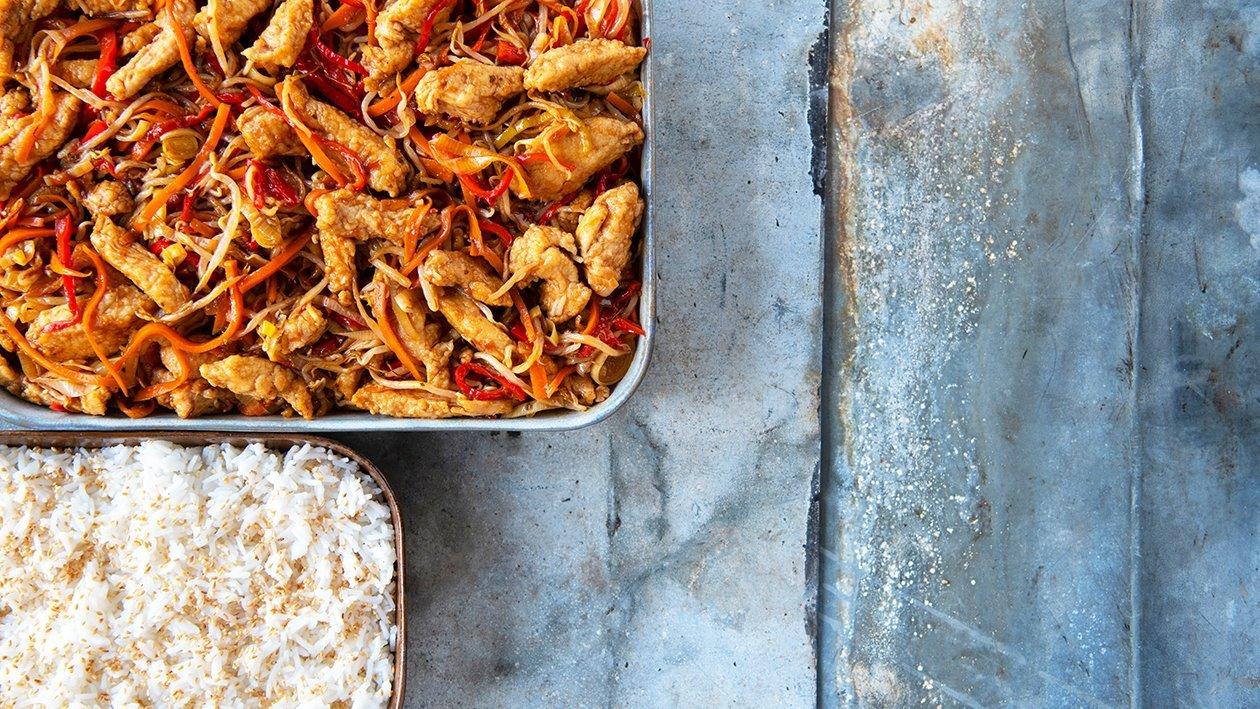 """Chinese kip """"five spices"""" met wokgroenten en basmatirijst"""