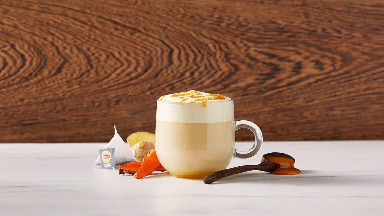 Earl Grey latte met kurkuma en honing