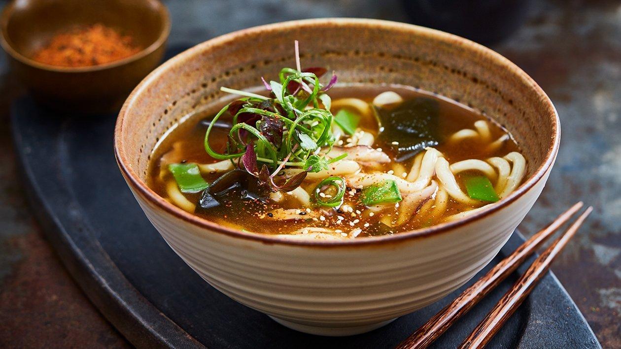 Japanse udon noedel soep