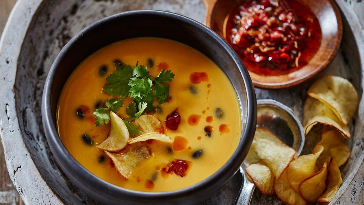 Peruaanse zoete aardappelsoep met chili & koriander