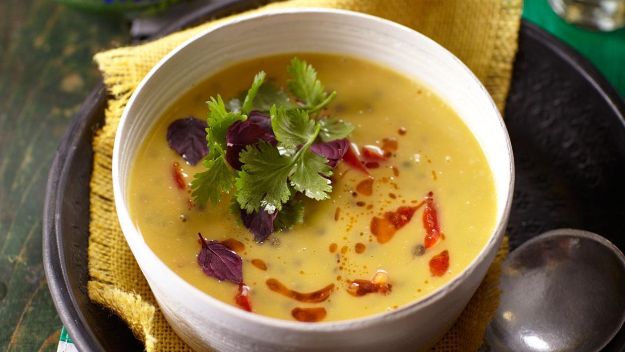 Pittige pompoensoep uit Thailand met kokosmelk en koriander - Knorr Supérieur