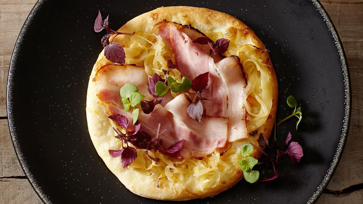 Pizza met zuurkool en Zeeuws spek