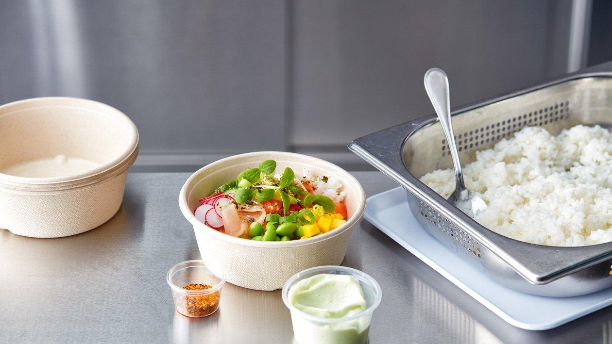 Poké bowl met zalm en wasabi mayonaise (delivery)