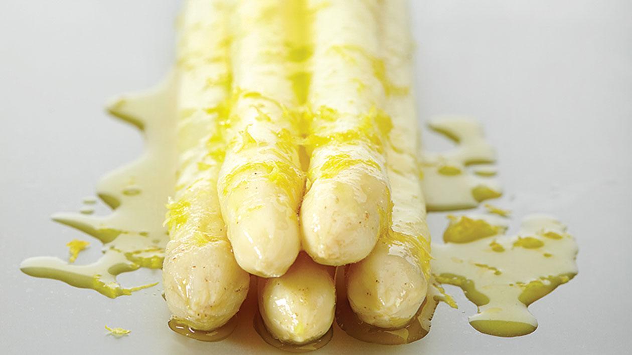 Sous vide asperges met citroen en olijfolie