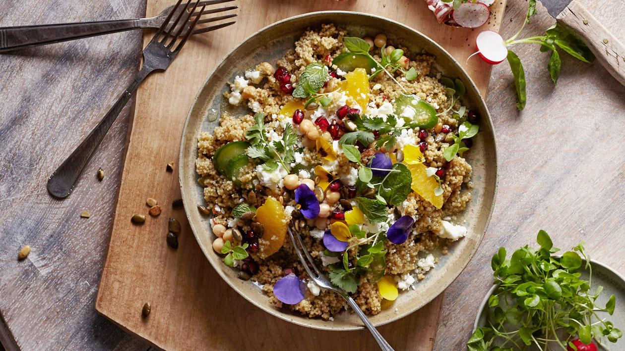 Spianata Romana Bruchetta met taboulé couscous salade