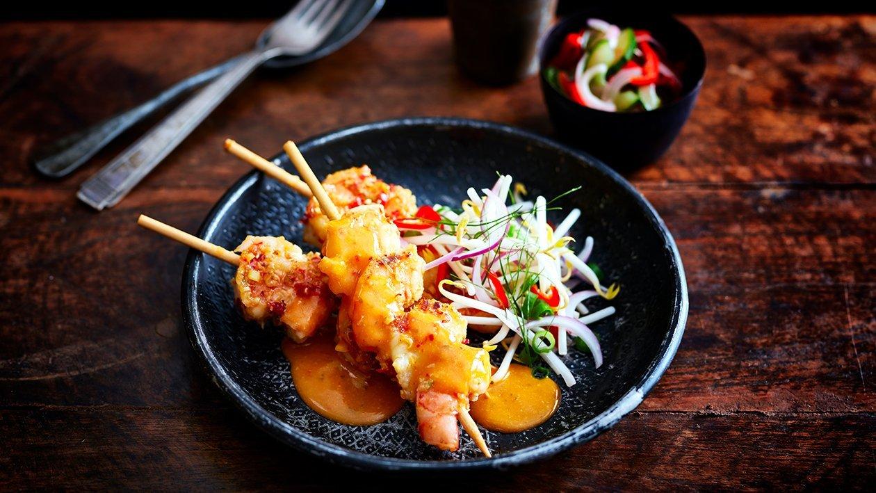 Thaise garnalen spiesjes met een knapperige taugé salade