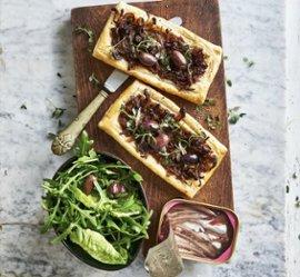 Karamellisert løkterte med oliven og ansjos 🌍🌍🌍