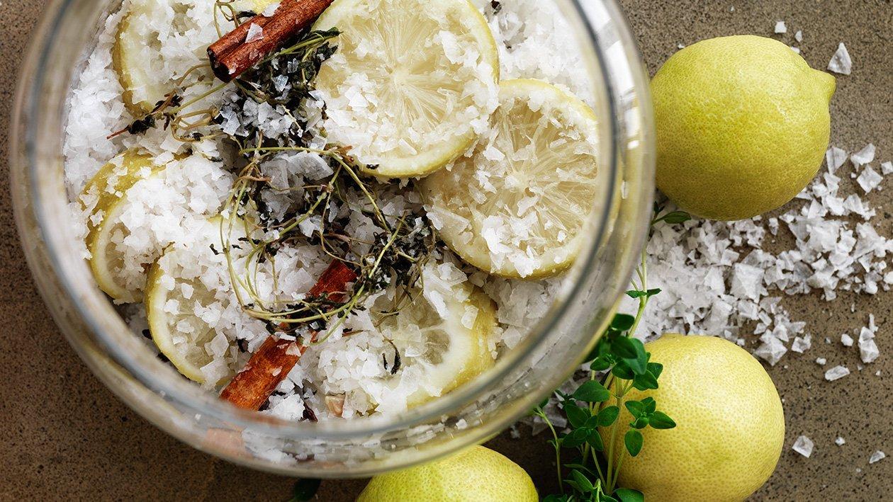 Saltsyltede sitroner – Oppskrift
