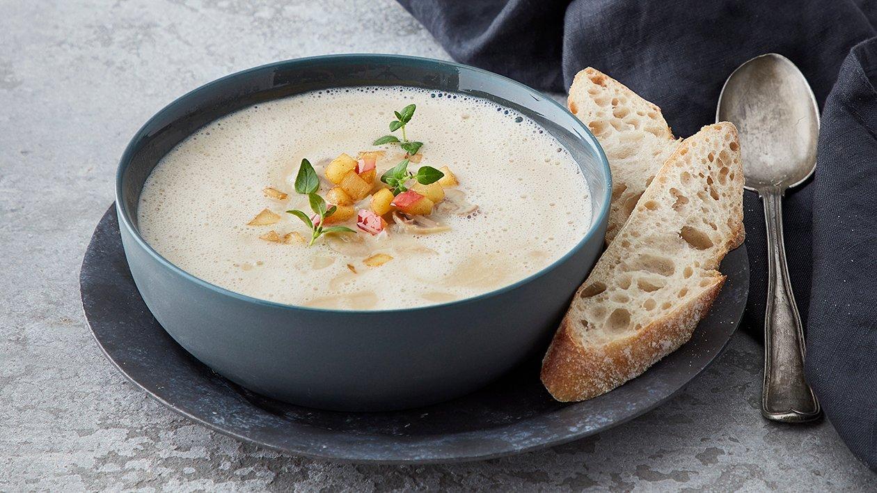 Sopp- & jordskokksuppe med smørstekte epler  – Oppskrift