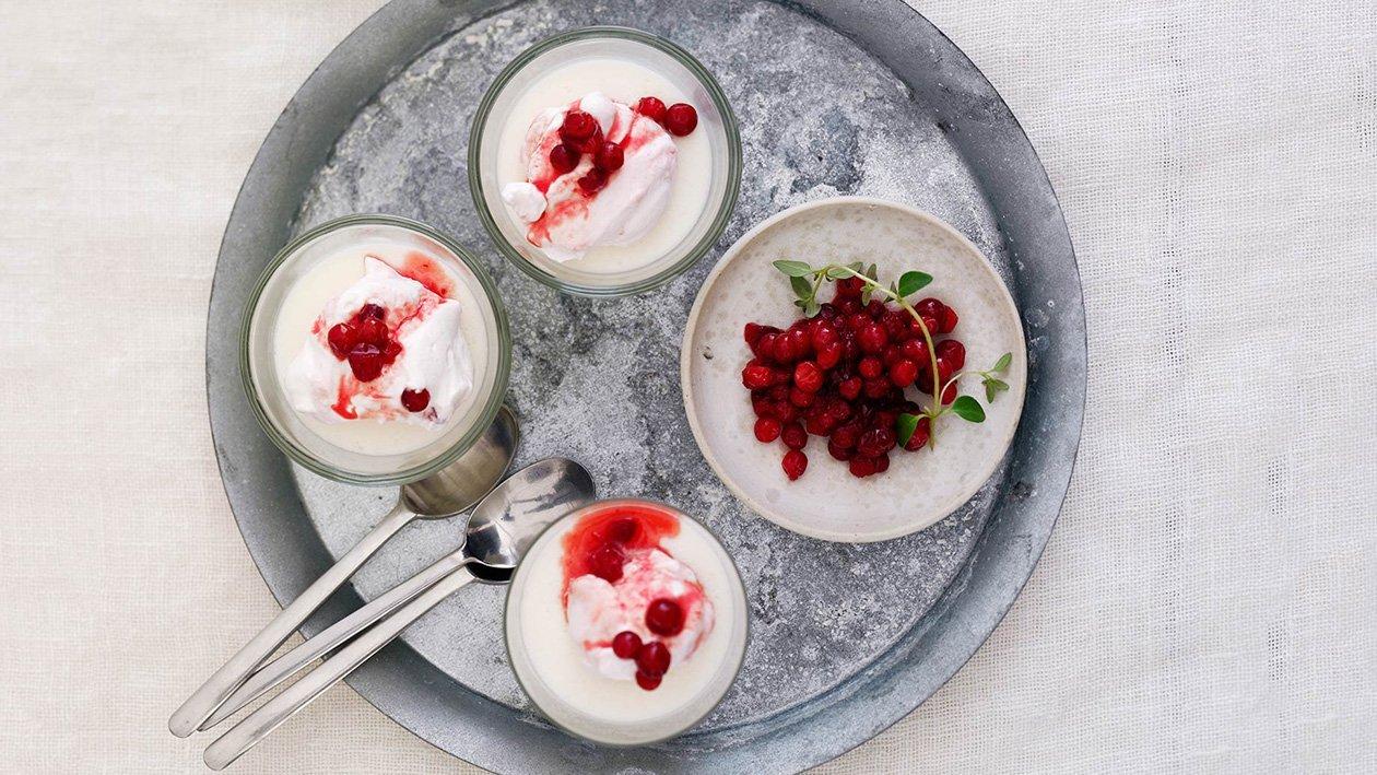 Vaniljepudding med bringebær og tyttebærmousse – Oppskrift