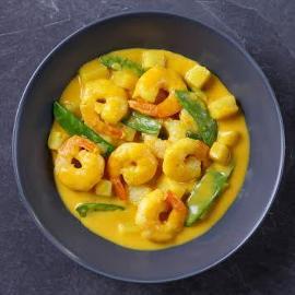 Żółte curry z krewetkami i ananasem