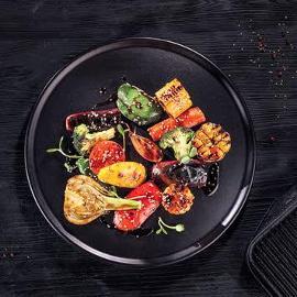 Grillowane warzywa w słodkiej glazurze z sezamem