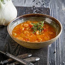 Kremowa zupa krewetkowa z warzywami
