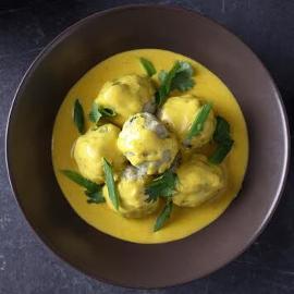 Rybne pulpeciki w żółtym curry