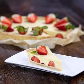 Tarta waniliowa z truskawkami