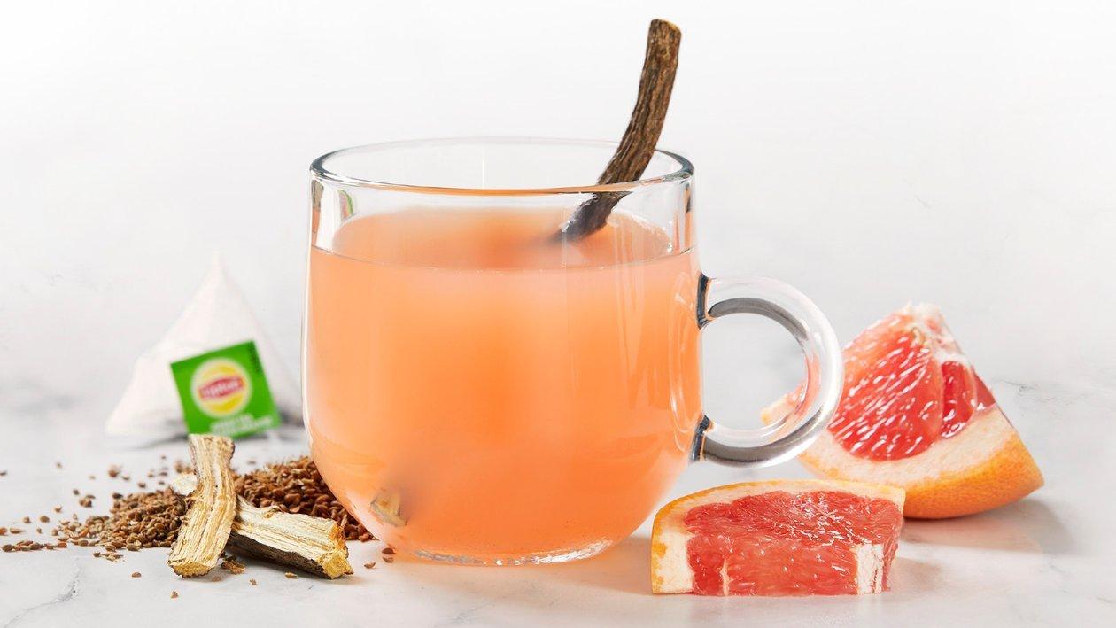 Gorąca zielona herbata z anyżem