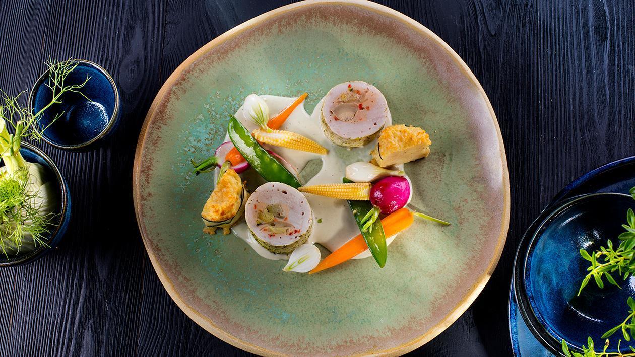 Indyk z karczochami i parmezanem, sos gorgonzola