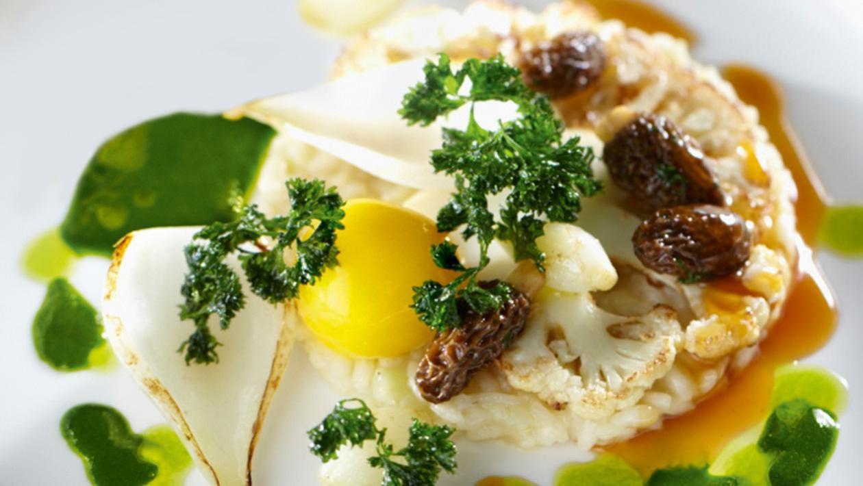 Kalafiorowe risotto z oliwą pietruszkową i smardzami