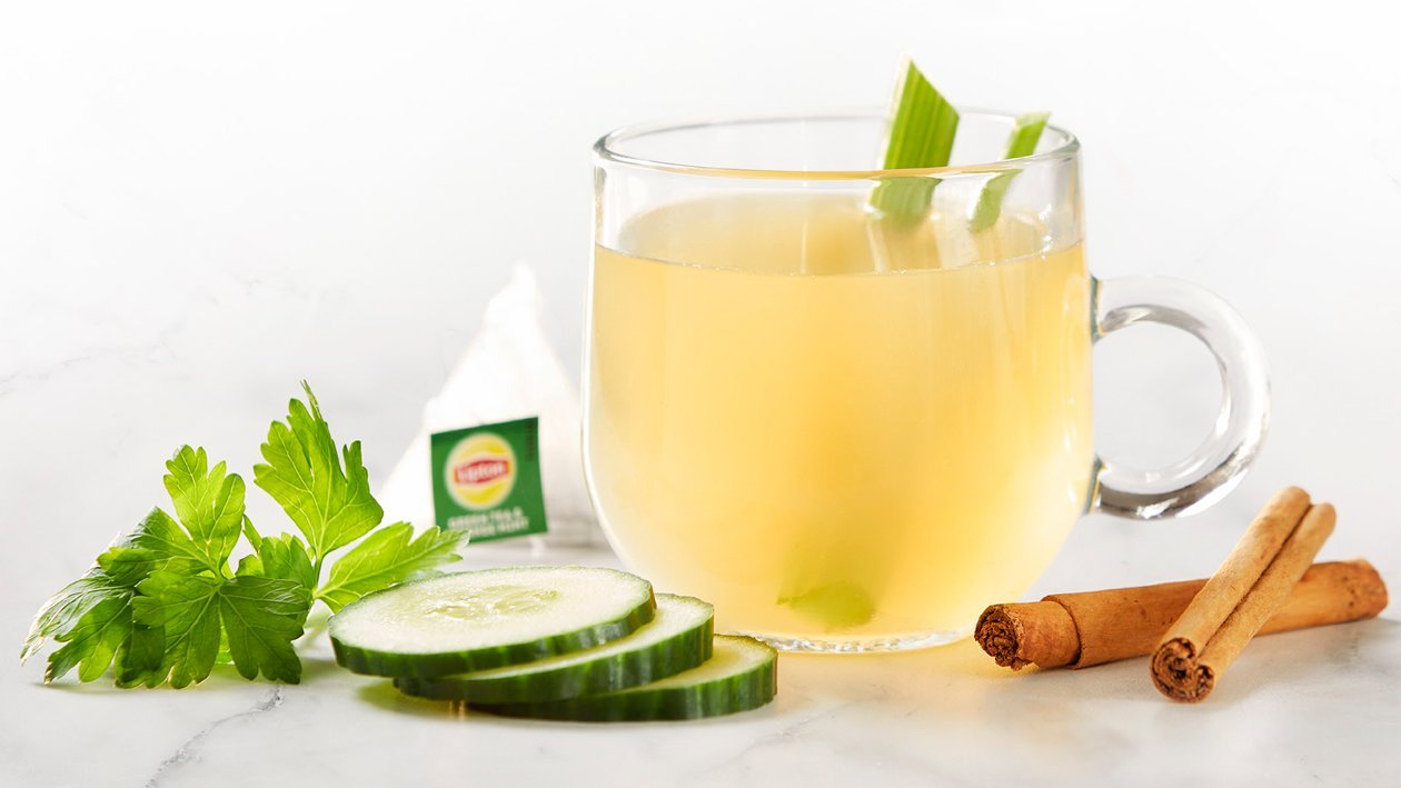 Miętowa herbata z selerem i cynamonem