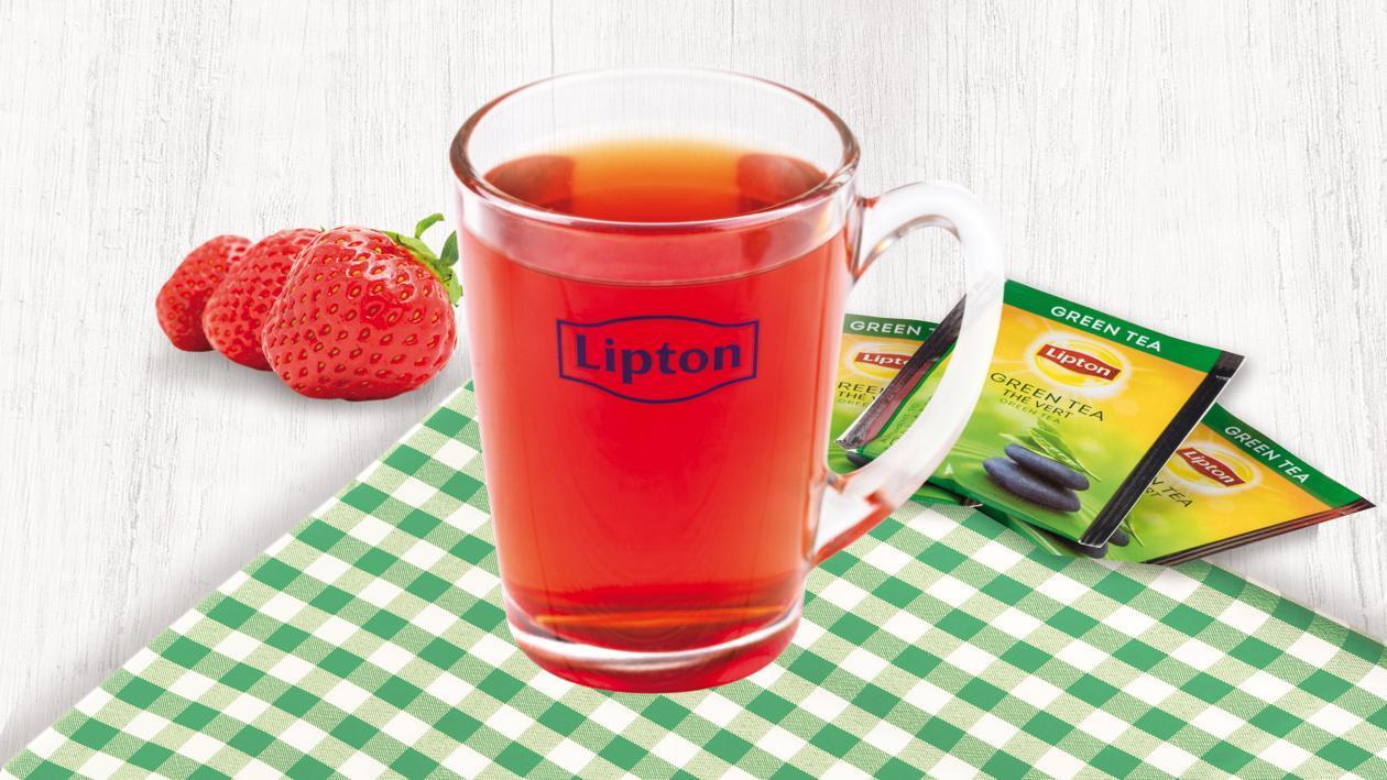 Mrożona zielona herbata z truskawkami