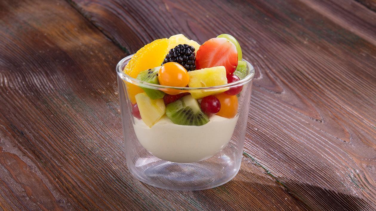 Mus waniliowy z owocami