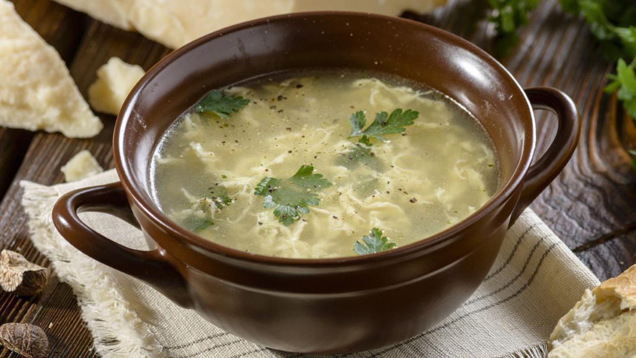 Straciatella - zupa z jajecznymi kluseczkami i parmezanem