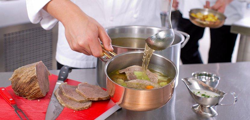 Knorr Goldaugen Rindsuppe 12 x 1 KG - Eine aromatische Bouillon ist das Herz einer jeden Küche - ohne Kompromisse.