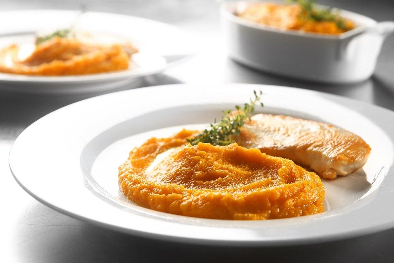 Purê de cenoura com molho barbecue