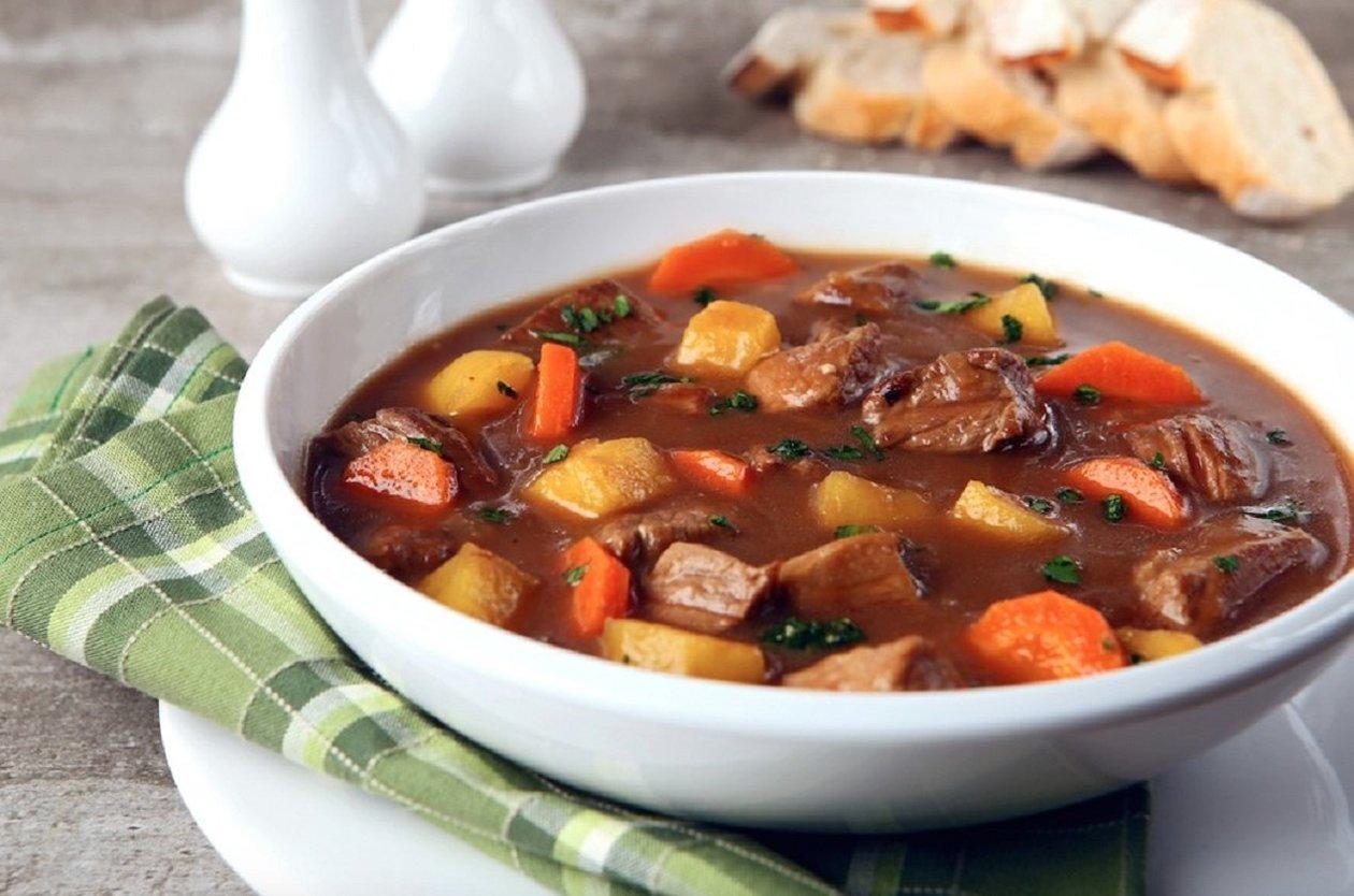 Sopa rústica de carne