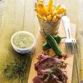 Bife de Alcatra com Batata SteakHouse e Molho Tártaro