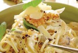 Linguini com Queijo e Molho de Cogumelos