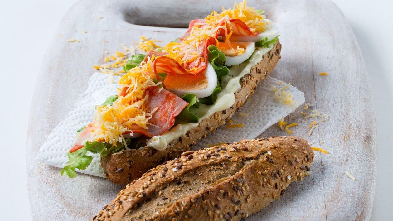 Baguete de Paio com Queijo e Ovo
