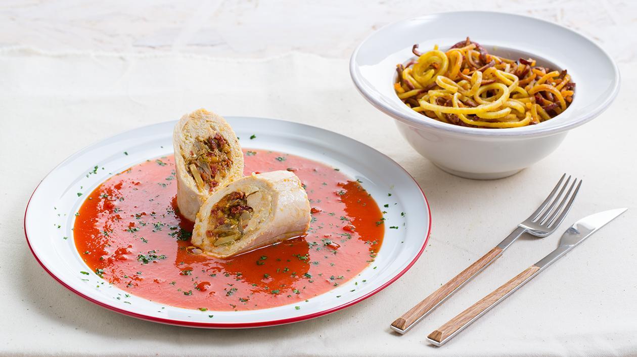 Bifes de Frango Recheados em Molho de Tomate