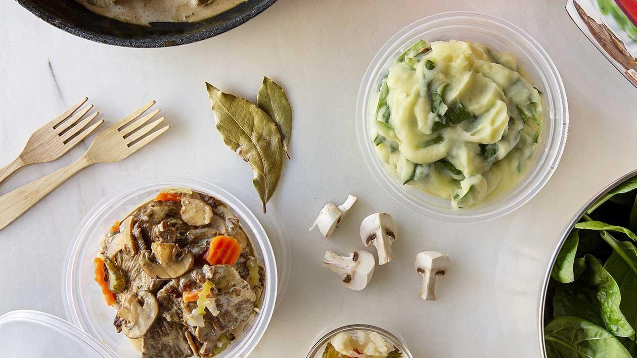 Bifinhos com Cogumelos e Puré com Espinafres