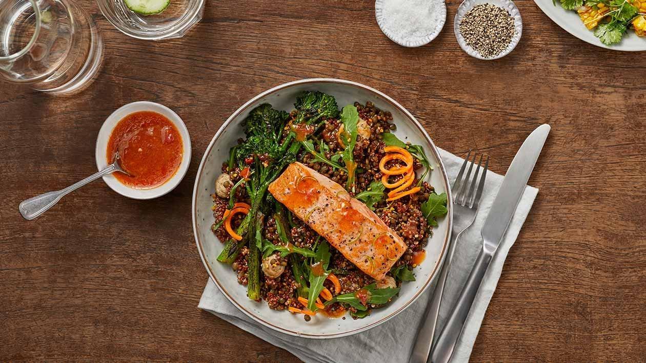Bowl Asiática de Salmão e Quinoa