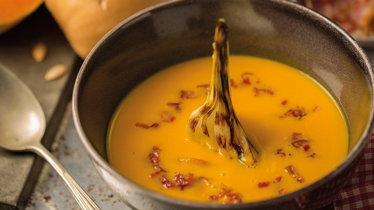 Creme de Abóbora com Cebola Caramelizada e Pancetta