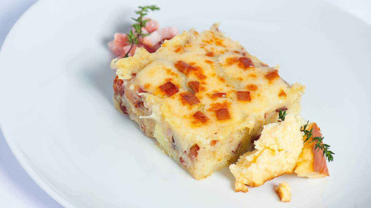 Puré de Batata com Cubos de Bacon e Crosta de Queijo Cheddar