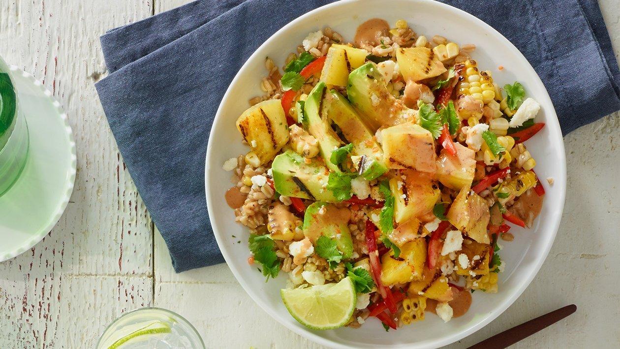 Salada de Bulgur com Ananás e Abacate