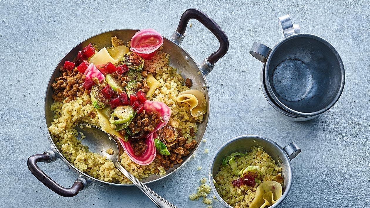 """Salada de Bulgur com """"Carne"""" Picada Vegan"""
