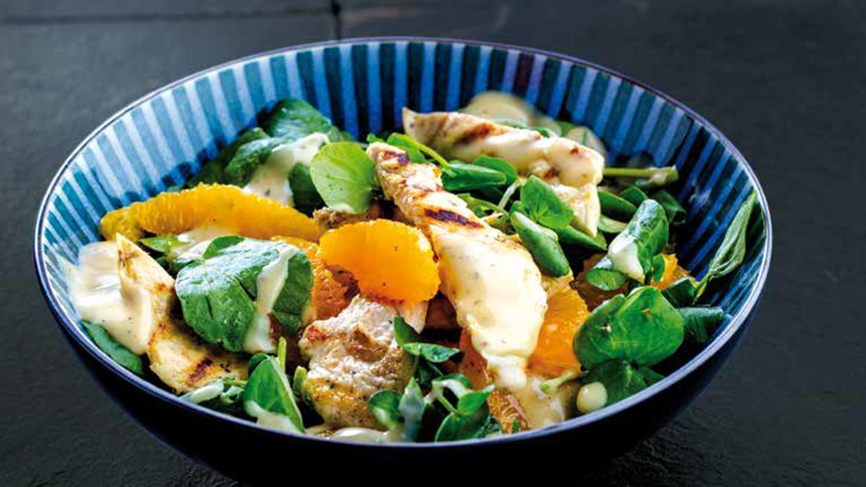 Salada de frango com laranja e agrião