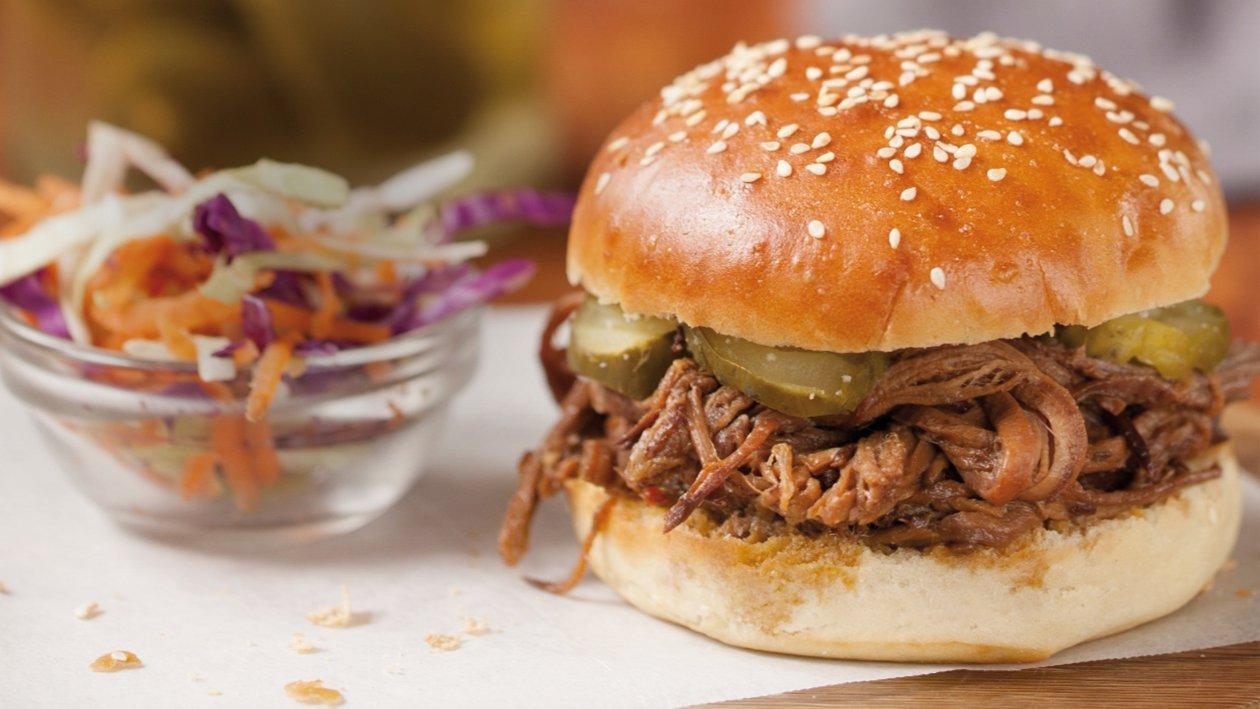 Slow Hambúrguer B&C de Barbecue & Cornichon