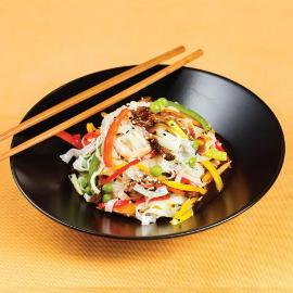 Noodles la wok asezonati cu supa clara de vita