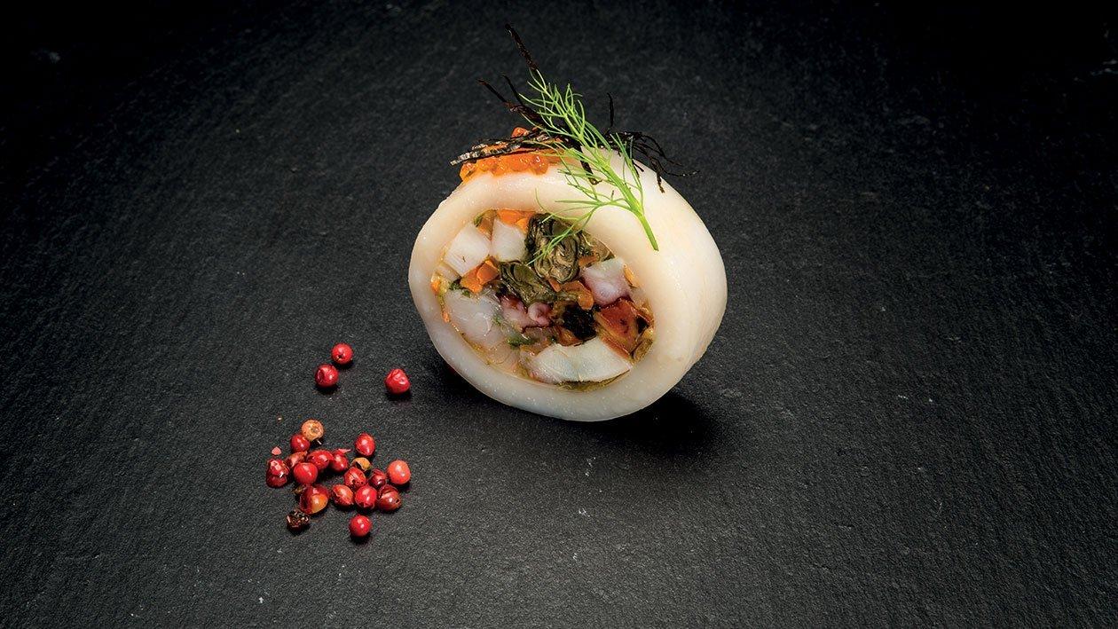 Calamar umplut cu fructe de mare